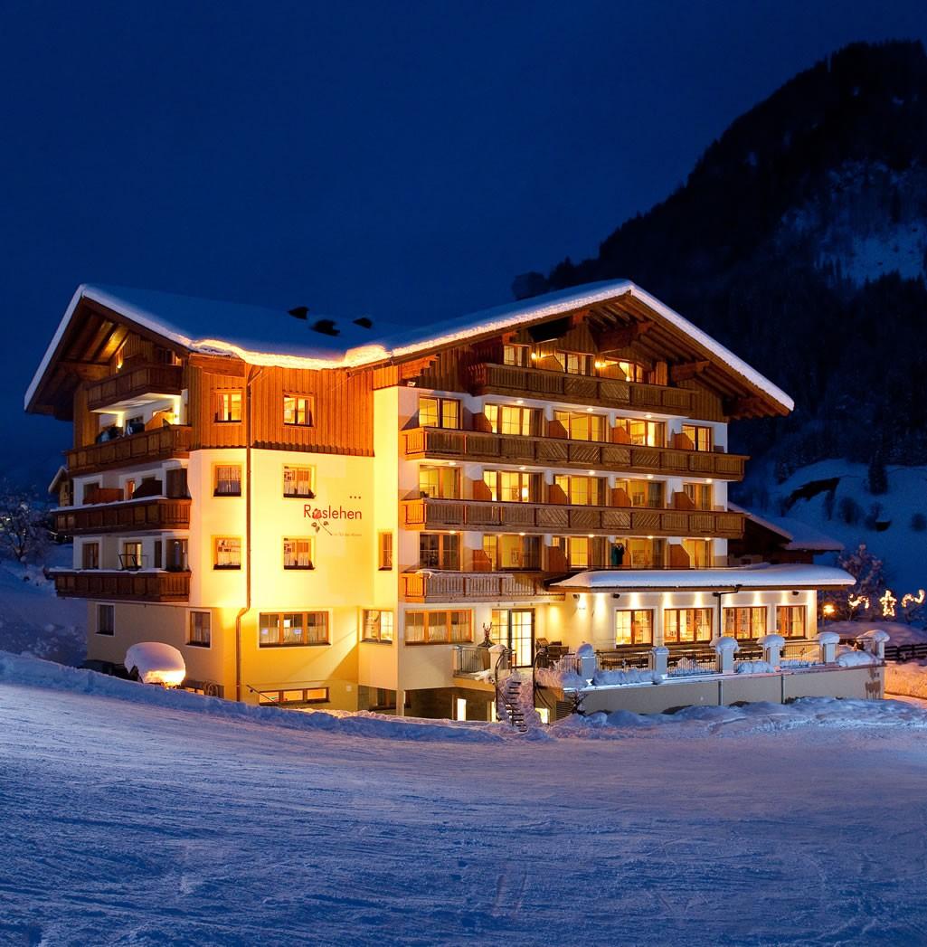 skiurlaub direkt an der skipiste hotel roslehen gro arl. Black Bedroom Furniture Sets. Home Design Ideas